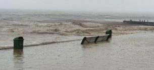 Ялта тоне, набережної вже нема: через розлив річок затопило будинки і дороги (ВІДЕО) Набережна Ялти