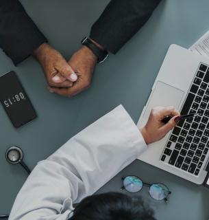 От внедрения электронных больничных выигрывают врачи частной практики — эксперт