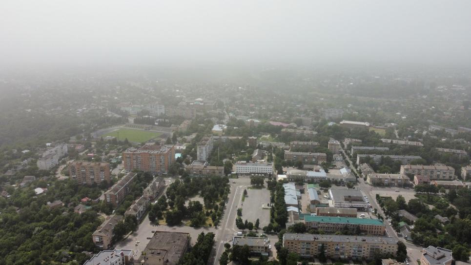 Центр України накрила пилова буря «Астраханський суховій». Фото: Мої Лубни