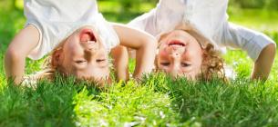Як захистити дитину від кліщів на природі