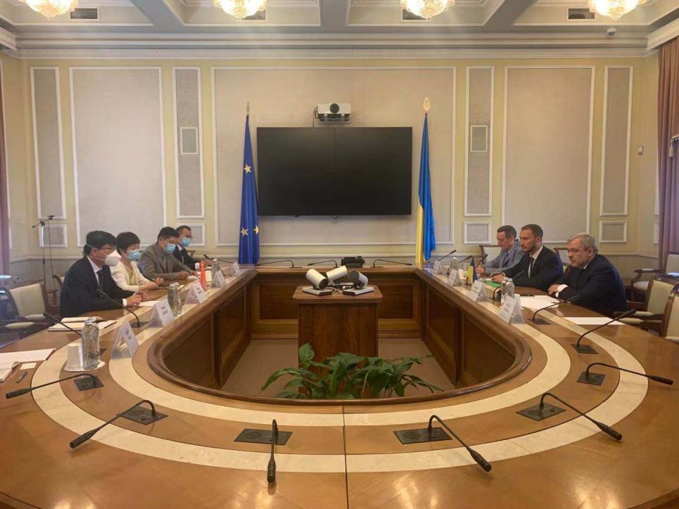 Фото із сайту посольства КНР в Україні