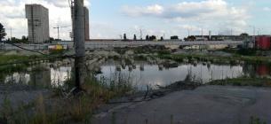 Київська влада не може відповісти, що відбувається з будівництвом ТРЦ біля метро «Лісова»