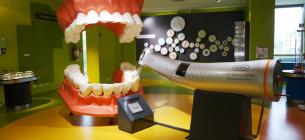 Про що говорить скреготання зубами вві сні і як його позбутися
