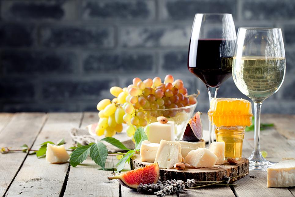 Кавун, м'ясо, вино, мед: вісім українських продуктів отримають визнання в країнах ЄС