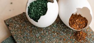 Британські дизайнери створюють настінну плитку з викинутої яєчної шкаралупи
