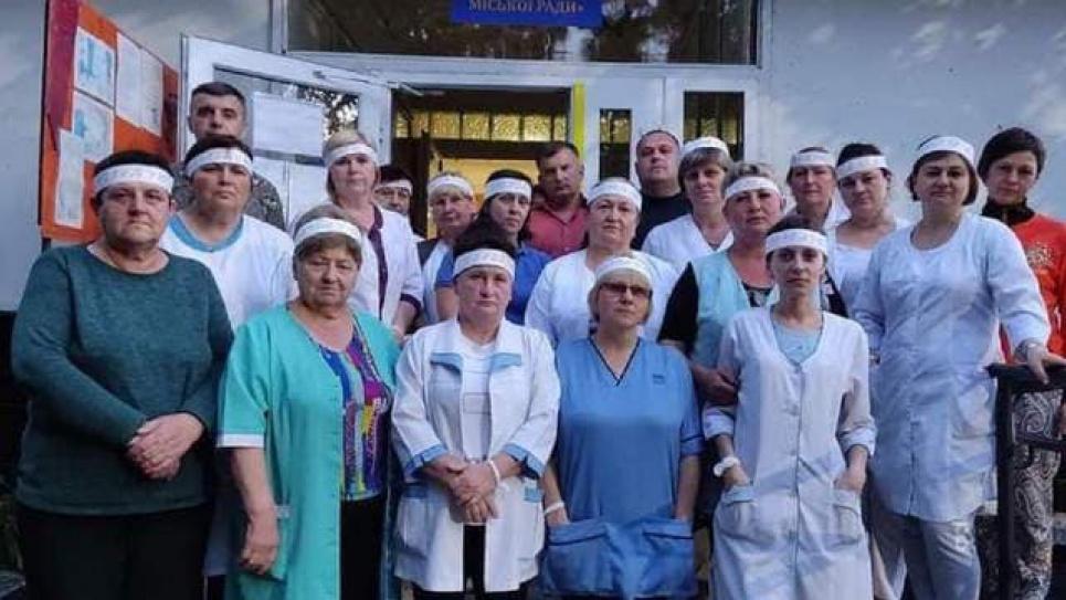 Медики во Львовской области голодают, требуя рассчитаться с ними