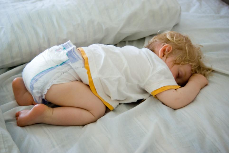 Чтобы спать, как младенец: поза для вечернего расслабления