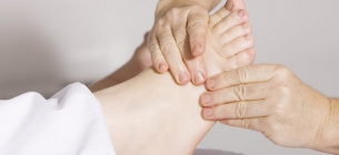Названі 4 відчуття в ногах, що вказують на діабет