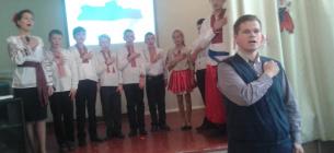 Дмитро Ламза під час заходу у своїй школі. Фото з соцмереж